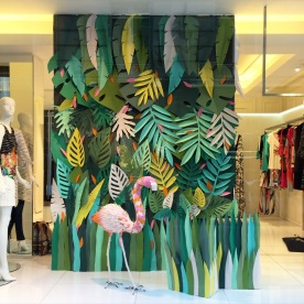 Windowdisplay for Parakian1